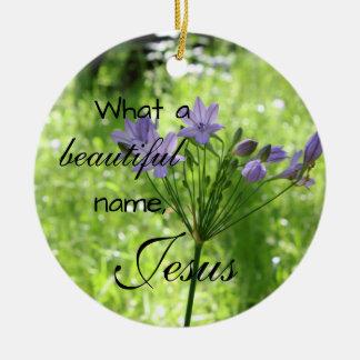 Ornement pourpre de vers de bible de fleur sauvage