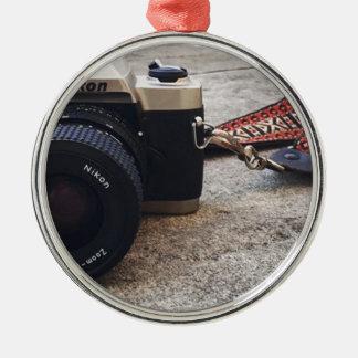Ornement Rond Argenté Appareil-photo de film de Nikon