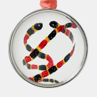 Ornement Rond Argenté Art de serpents de corail