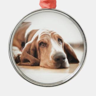 Ornement Rond Argenté Chiot de chien de basset-hound