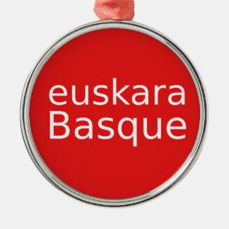 Ornement Rond Argenté Conception de langue Basque