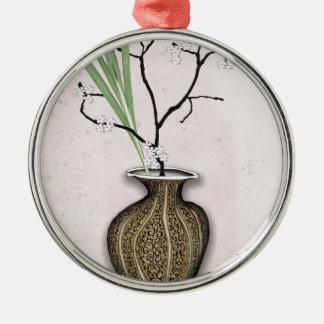 Ornement Rond Argenté Ikebana 1 par les fernandes élégants