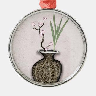 Ornement Rond Argenté Ikebana 2 par les fernandes élégants