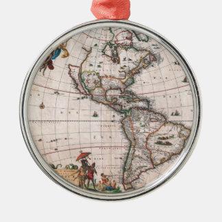 Ornement Rond Argenté La carte de Visscher du nouveau monde