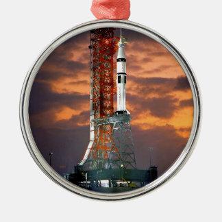 Ornement Rond Argenté Launchpad de lever de soleil de lanceur de la NASA