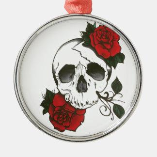 Ornement Rond Argenté orament de roses de crâne