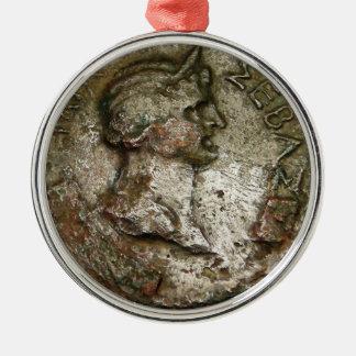 Ornement Rond Argenté Pièce de monnaie romaine antique