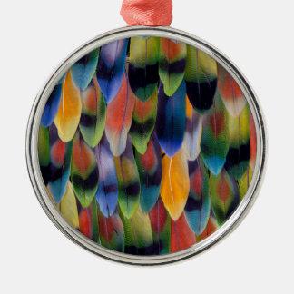 Ornement Rond Argenté Plumes colorées de perroquet de perruche