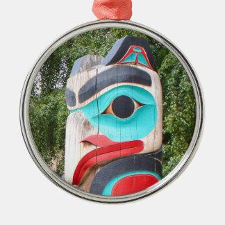 Ornement Rond Argenté Totem Polonais, Anchorage, Alaska 2 de Natif