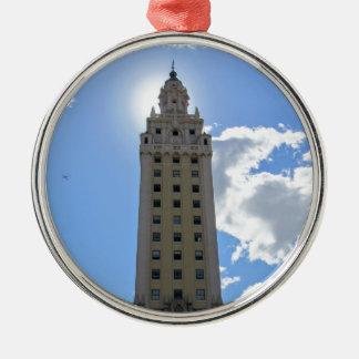 Ornement Rond Argenté Tour cubaine de liberté à Miami