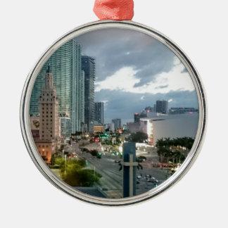 Ornement Rond Argenté Tour cubaine de liberté à Miami 2