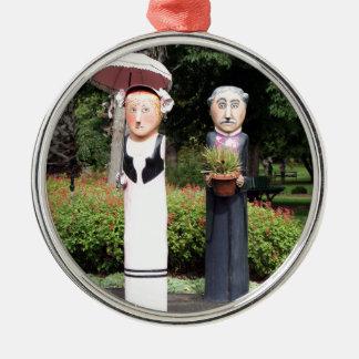 Ornement Rond Argenté Vieilles sculptures en ménages mariés