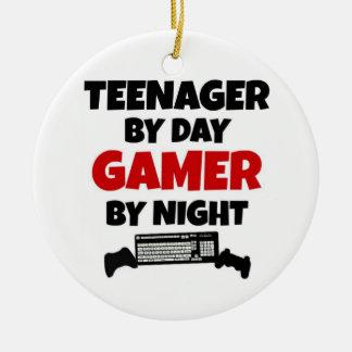 Ornement Rond En Céramique Adolescent par le Gamer de jour par nuit