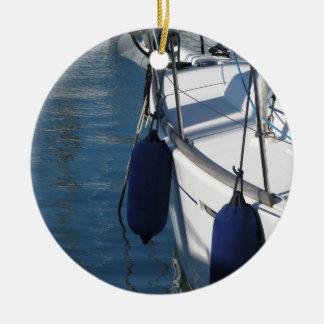 Ornement Rond En Céramique Aile gauche de bateau à voile avec deux
