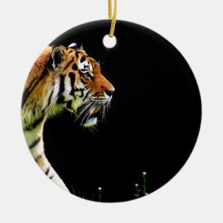Ornement Rond En Céramique Approche de tigre - illustration d'animal sauvage