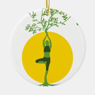 Ornement Rond En Céramique Arbre de yoga de forme physique et de spiritualité