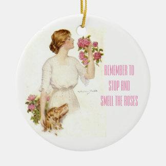 Ornement Rond En Céramique Arrêtez Madame victorienne Ceramic Ornament de