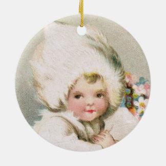 Ornement Rond En Céramique Bébé antique de neige d'hiver avec l'ornement de