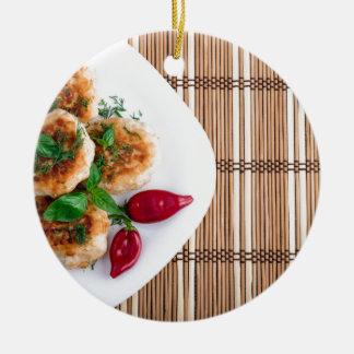 Ornement Rond En Céramique Boulettes de viande frites de poulet haché avec le
