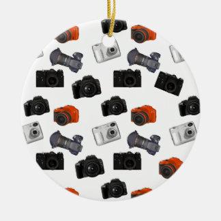 Ornement Rond En Céramique Collage d'appareil-photo sur le blanc