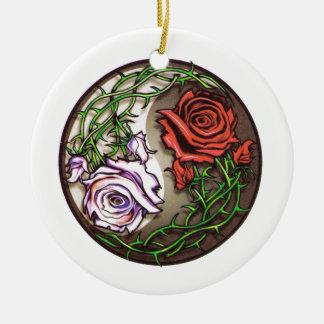 Ornement Rond En Céramique Conception rose de tatouage de yingyang