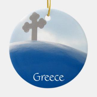 Ornement Rond En Céramique Croix de Santorini pendant l'après-midi Sun