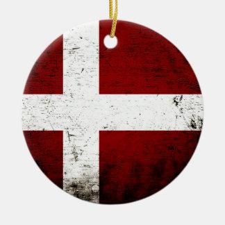 Ornement Rond En Céramique Drapeau grunge noir du Danemark