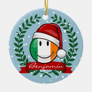 Ornement Rond En Céramique Drapeau irlandais de sourire de style de Noël