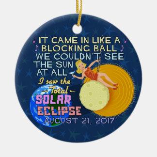 Ornement Rond En Céramique Drôle américain solaire total d'éclipse le 21 août