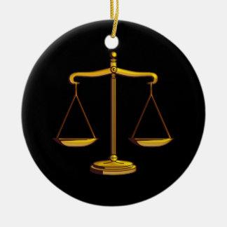Ornement Rond En Céramique Échelles des cadeaux de loi de la justice  