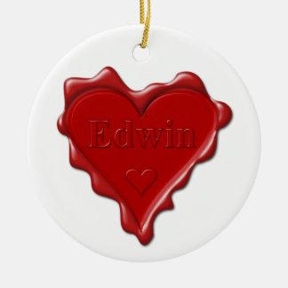 Ornement Rond En Céramique Edwin. Joint rouge de cire de coeur avec Edwin