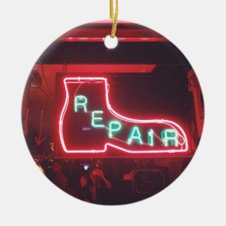 Ornement Rond En Céramique Enseigne au néon NYC de Repare