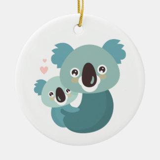 Ornement Rond En Céramique Étreindre doux de mère et de bébé de koala de