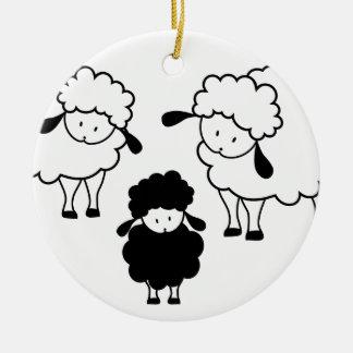 Ornement Rond En Céramique Famille de moutons noirs