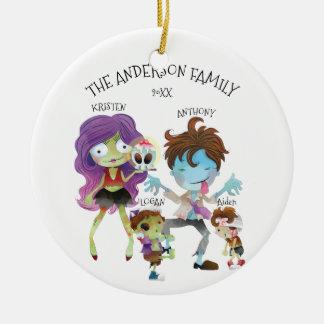 Ornement Rond En Céramique Famille de zombi d'amusement d'ornement de Noël 4