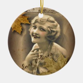 Ornement Rond En Céramique fille gatsby vintage de feuille d'automne de chute