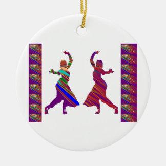 Ornement Rond En Céramique Filles de DANSE :  Danse de style de Bollywood
