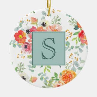 Ornement Rond En Céramique Floral rose et verdure sur le monogramme blanc
