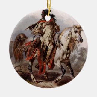 Ornement Rond En Céramique Indien Blackfoot sur le cheval Arabe étant chassé