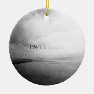 Ornement Rond En Céramique La vie est une plage - photo typographique noire
