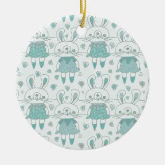 Ornement Rond En Céramique Lapins heureux dans le bleu