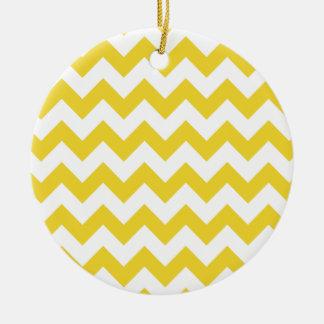 Ornement Rond En Céramique Le zigzag jaune barre le motif de Chevron
