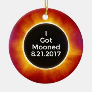 Ornement Rond En Céramique L'éclipse solaire américaine obtient le 21 août