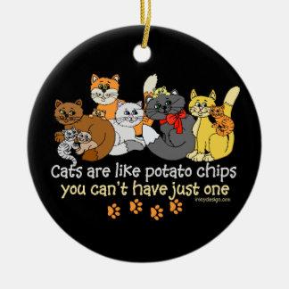 Ornement Rond En Céramique Les chats sont comme des pommes chips
