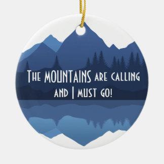 Ornement Rond En Céramique Les montagnes appellent… l'ornement
