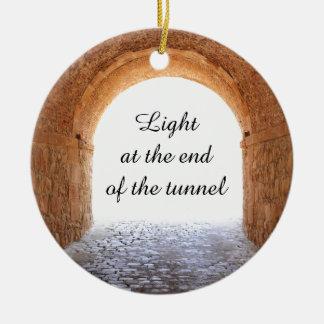 Ornement Rond En Céramique Lumière à l'extrémité du tunnel