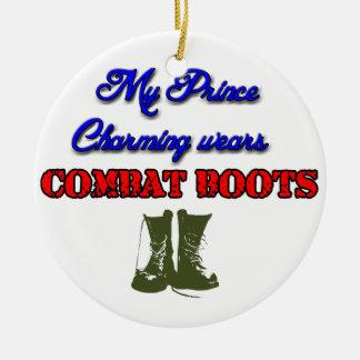 Ornement Rond En Céramique Mon prince charme porte des bottes de combat, Noël