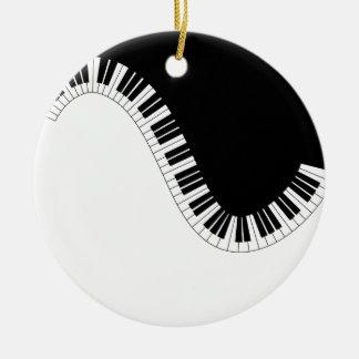 ORNEMENT ROND EN CÉRAMIQUE MUSIQUE DE PIANO