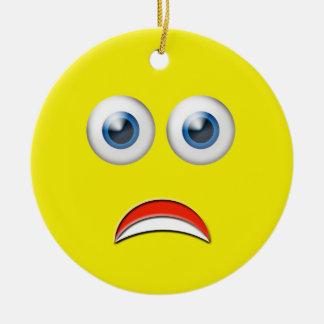Ornement Rond En Céramique Nom heureux jaune de coutume d'Emoji de visage