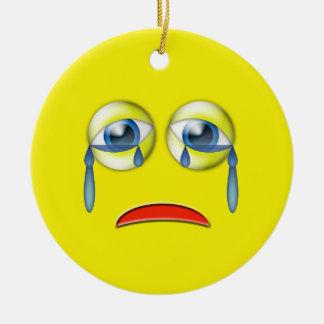 Ornement Rond En Céramique Nom triste jaune de coutume d'Emoji